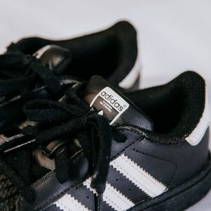 Kids Size 8 Adidas Sneakers | Black & White